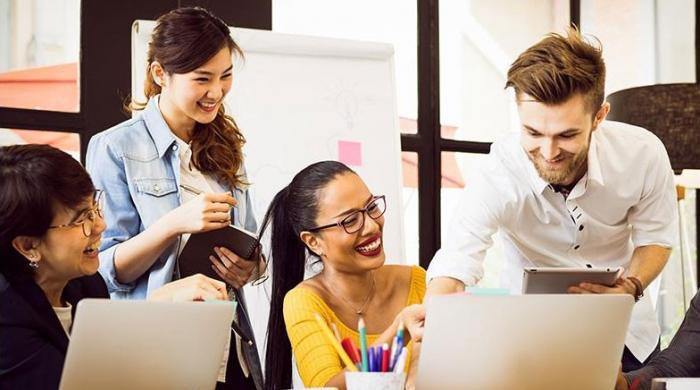 دفتر میں وفادار ساتھی ہونے سے کیا کیا فائدے ہوتے ہیں؟