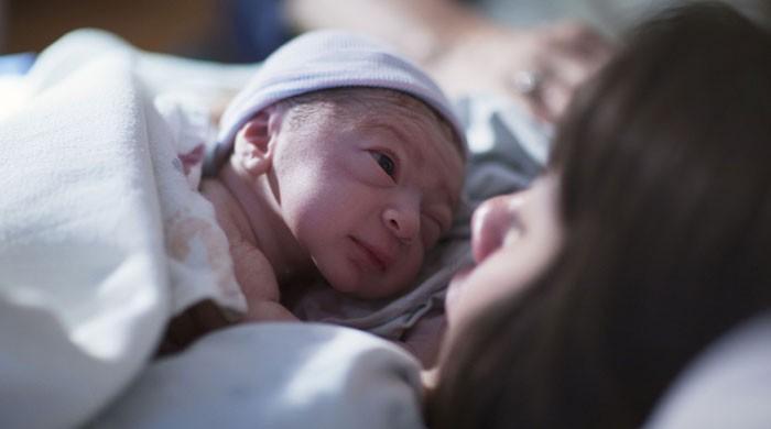 پانچ برس تک منجمد رہنے والے بیضے سے بچے کی پیدائش کا کامیاب تجربہ