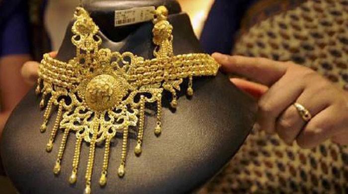 ملک میں سونے کی فی تولہ قیمت میں 2 ہزار روپے کا اضافہ