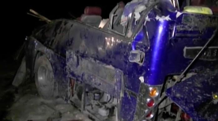 روہڑی میں مسافر بس پاکستان ایکسپریس کی زد میں آگئی،  19 مسافر جاں بحق