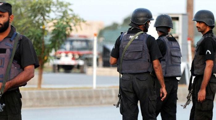 کراچی: مساجد میں نماز کے اجتماع پر پابندی کی خلاف ورزی کرنے والے کئی پیش امام گرفتار