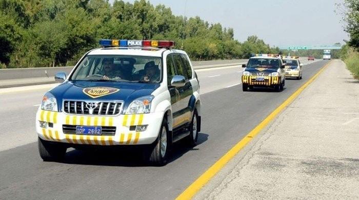 وفاقی حکومت کا ہائی ویز سمیت تمام شاہراہیں کھولنے کا فیصلہ