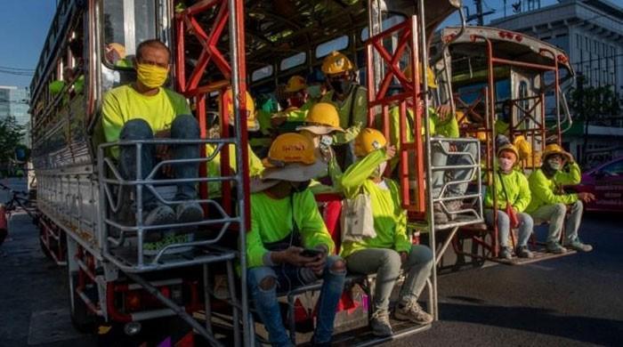 کورونا وائرس سے کمبوڈیا کا صنعتی شعبہ بیٹھ گیا، 57 فیکٹریوں پر تالے