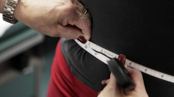 کورونا وائرس: کیا آپ بھی آئسولیشن میں موٹاپے کا شکار ہو رہے ہیں؟