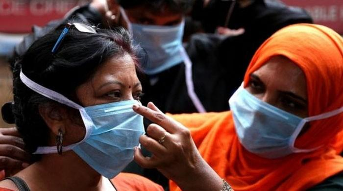 نئی تحقیق: کورونا وائرس فیس ماسک پرکتنے دن رہ سکتا ہے اور کیا چیز اسے مار سکتی ہے؟