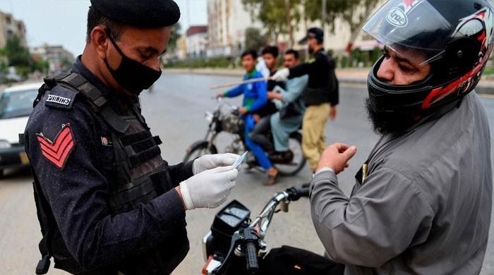 کراچی: لاک ڈاؤن میں مزید سختی، پولیس کو شہریوں سے سختی سے نمٹنے کی ہدایت