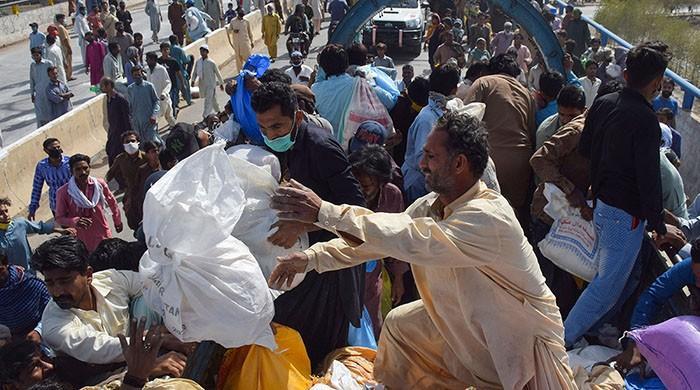 ایک تہائی پاکستانیوں کے نزدیک کورونا وائرس امریکا اور اسرائیل کی سازش: سروے