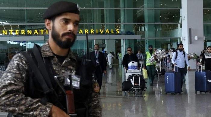 اب تک بیرون ملک پھنسے 11 ہزار سے زائد پاکستانی وطن واپس پہنچ گئے