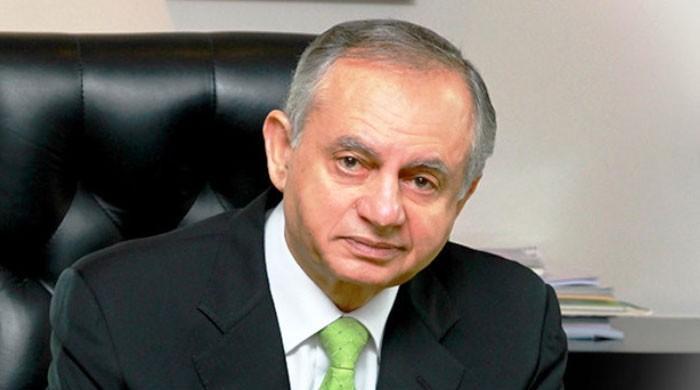 وزیراعظم کے مشیر تجارت عبدالرزاق داؤد چینی انکوائری کمیشن کے سامنے پیش