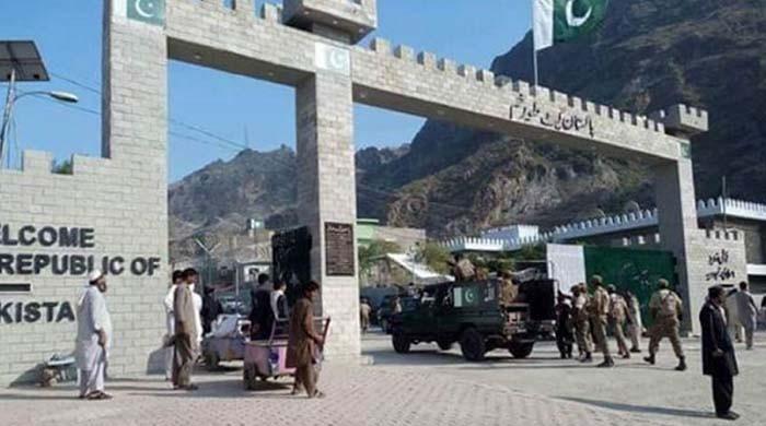 کورونا کے باعث بند پاک افغان سرحد کھول دی گئی