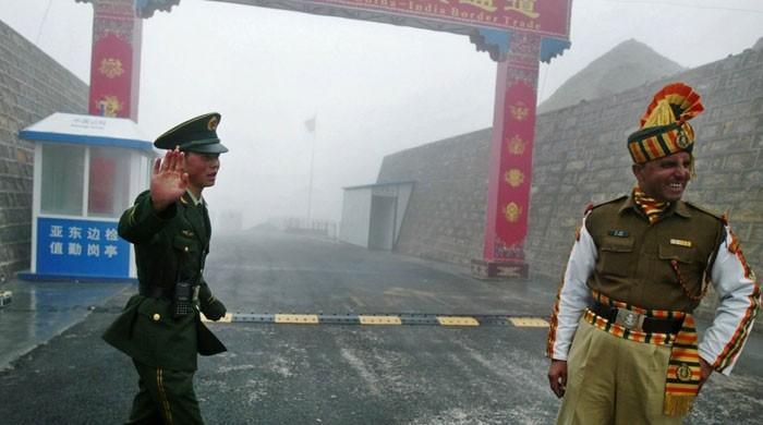 متنازع سرحدی علاقے میں داخل ہونے پرچینی فوج نے بھارتی اہلکاروں کی درگت بنادی