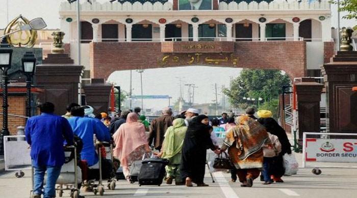 لاک ڈاؤن کے باعث بھارت میں پھنسے 176 پاکستانیوں کو وطن واپسی کی اجازت مل گئی