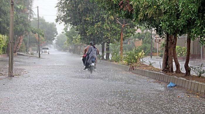 ملک بھر میں آج سے گرج چمک کے ساتھ  بارشوں کی پیشگوئی
