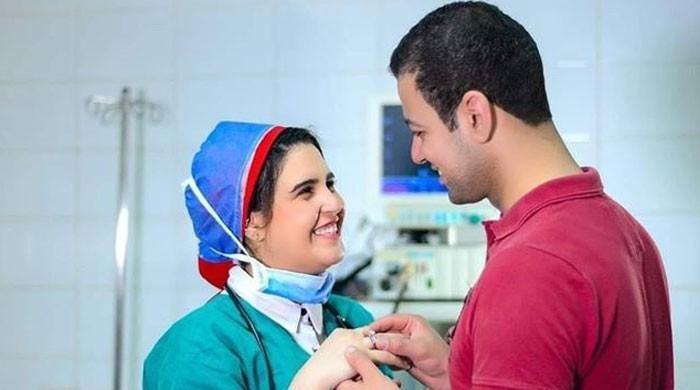 کورونا کے مریض نے علاج کرنے والی ڈاکٹر سے منگنی کر لی