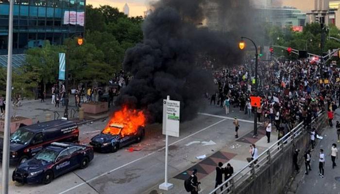 پولیس حراست میں سیاہ فام شخص کی ہلاکت کیخلاف احتجاج پورے امریکا ...