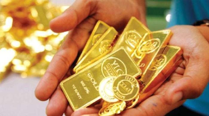 ملک میں فی تولہ سونا 300 روپے مہنگا ہوگیا