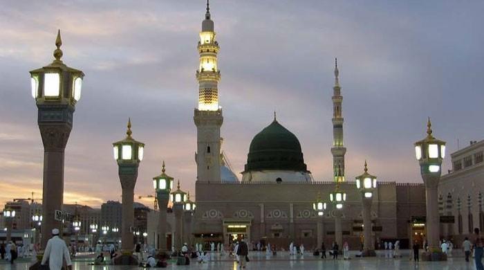 سعودی عرب میں مسجد نبویﷺ سمیت دیگر مساجد عام نمازیوں کیلئے کھول دی گئیں