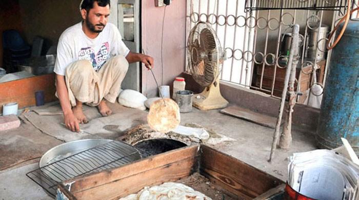 لاہور میں نان بائی ایوسی ایشن کا روٹی اور نان کی قیمتوں میں اضافے کا اعلان