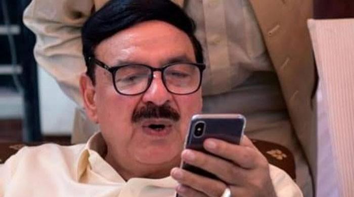 وزیر ریلوے شیخ رشید بھی کورونا وائرس کا شکار ہوگئے