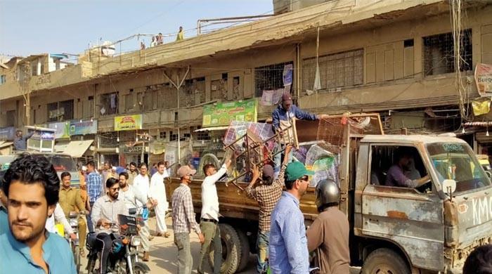 کراچی: تجاوزات کے خلاف آپریشن کے دوران ایک پھل فروش جاں بحق