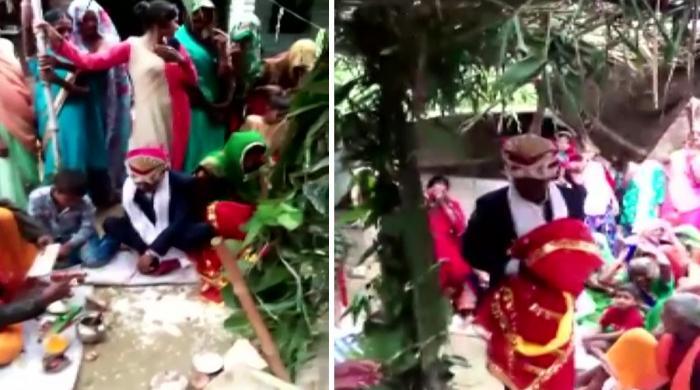 بھارت میں لڑکے نے لکڑی کے مجسمے سے شادی کر لی
