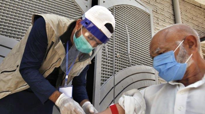 طبی ماہرین نے ملک میں کورونا سے متعلق خطرے کی گھنٹی بجادی