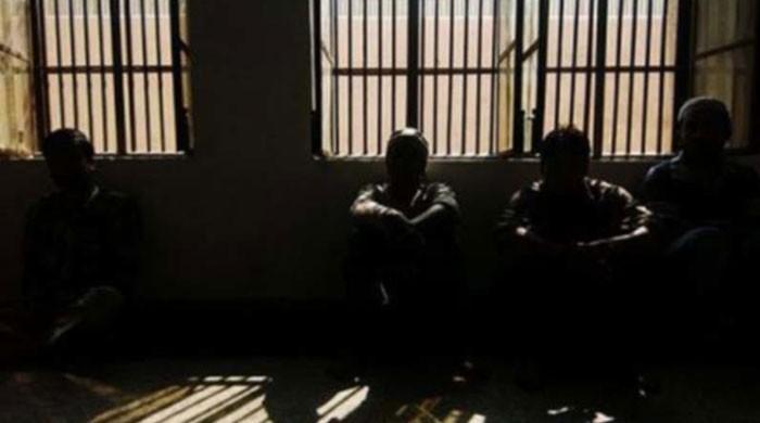 سندھ کی جیلوں میں 1196 قیدی کورونا وائرس کا شکار