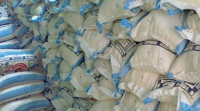 ٹائیگر فورس کی اطلاع پر ذخیرہ اندوزوں کیخلاف کریک ڈاؤن، 16 ہزار ٹن چینی و گندم برآمد