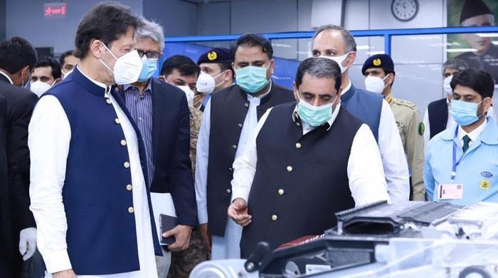 وزیر اعظم نے پہلی بار پاکستان میں تیار کیے گئے وینٹی لیٹرز این ڈی ایم اے کے حوالے کردیے