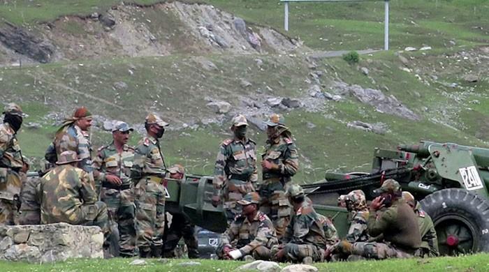 بھارتی فوجیوں کو فیس بُک سمیت 89 موبائل ایپس فوری ڈیلیٹ کرنے کا حکم