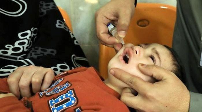کراچی: سیوریج کے پانی میں پولیو وائرس کے باعث خصوصی پولیو مہم چلانے کا فیصلہ