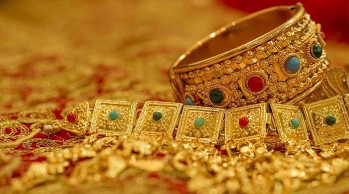 ملک میں سونے کی فی تولہ قیمت میں 350 روپے کا اضافہ