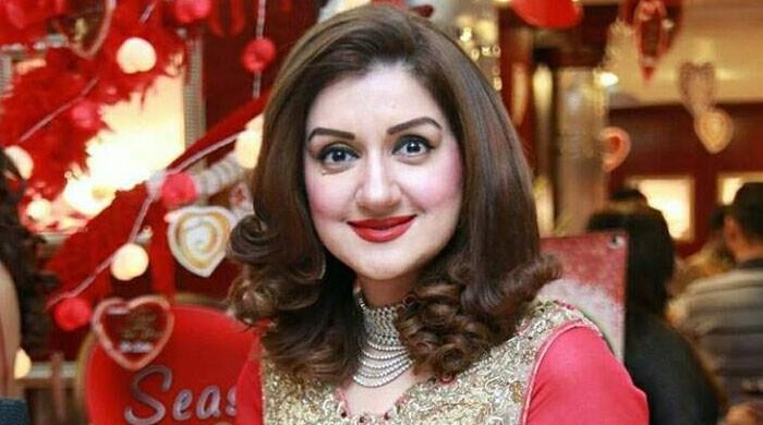 اداکارہ عائشہ ثناء کیخلاف لاہور کے بعد گجرات میں بھی مقدمہ درج