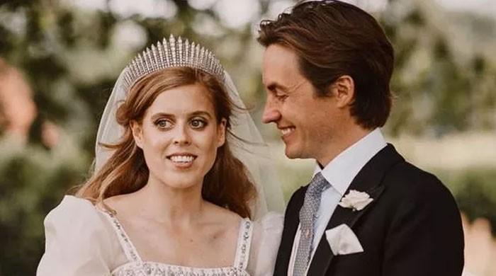 برطانوی شہزادی کو اپنی شادی میں تاج ادھار مانگ کر پہننا پڑا