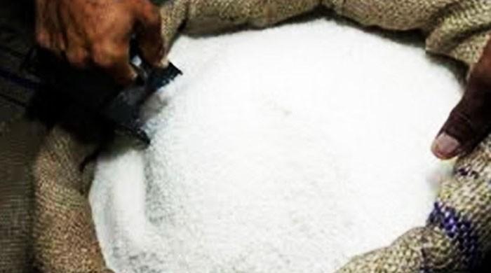 حکومتی دعوے دھرے کے دھرے، چینی کی فی کلو قیمت 95 روپے تک پہنچ گئی