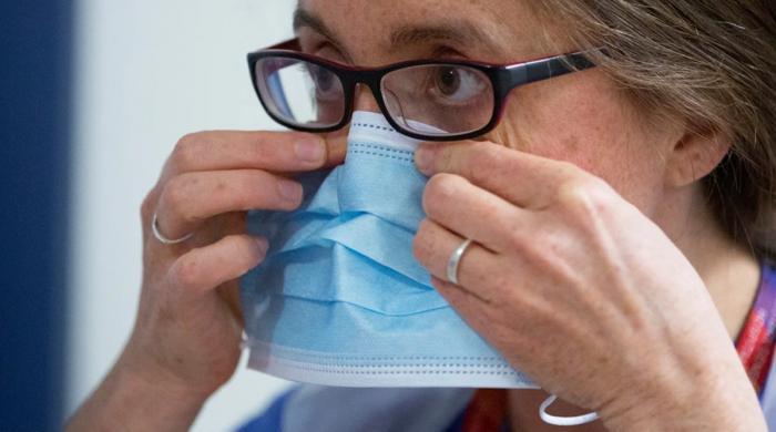 مسلسل ماسک لگانے سے انسانی جسم پر کیا اثرا ت پڑتے ہیں؟