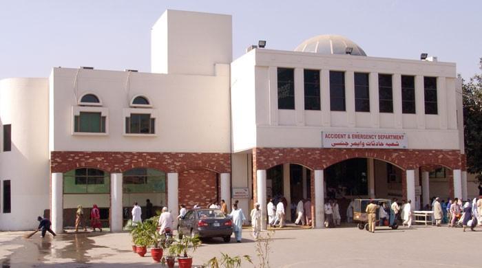 سروسز  اسپتال لاہور میں کورونا کا آخری مریض بھی صحتیاب