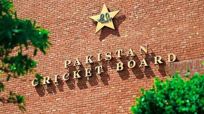 وسیم خان سمیت پی سی بی کے اہم عہدیداروں کی جانب سے بورڈ قوانین کی خلاف ورزی