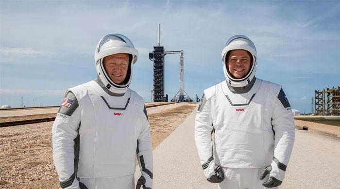 امریکی خلائی کمپنی کا پہلا مشن مکمل، خلا نورد واپس زمین پر  پہنچ گئے