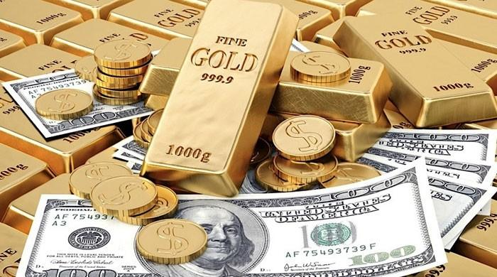 سونا ایک دن میں 4800 روپے فی تولہ مہنگا، ڈالر کی قدر بھی بڑھ گئی
