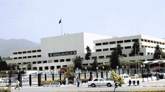 مشترکہ اجلاس: حکومت اور اپوزیشن کے بیک ڈور رابطوں میں کیا طے ہوا؟