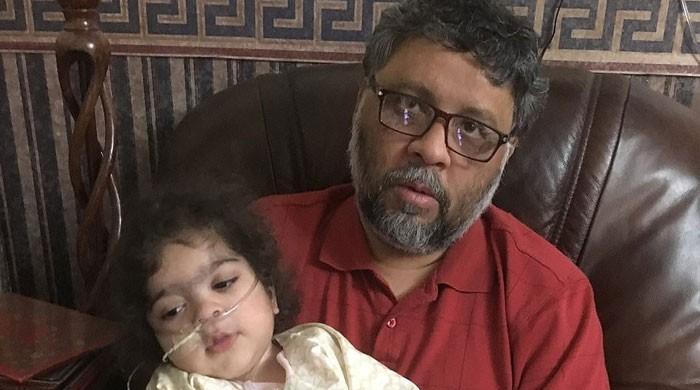 برطانیہ میں دم توڑتی بیٹی کے پاکستانی والدین پر پولیس تشددکیخلاف کارروائی کا آغاز