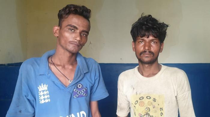 کراچی: رکشے میں سوار ہو کر واردات کرنیوالے گروہ کے 2 ملزمان گرفتار
