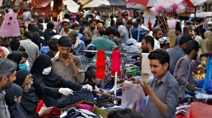 ملک بھر میں بازار اور ریسٹورینٹس کھل گئے،شہریوں نے احتیاطی تدابیر ہوا میں اڑادیں