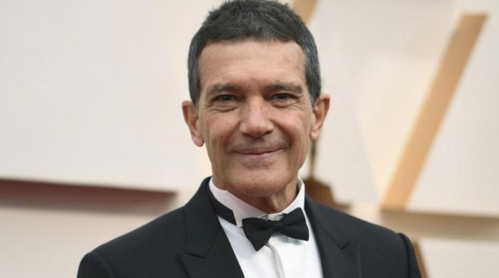 مشہور ہسپانوی اداکار انتونیو بیندراس کو سالگرہ کے دن کورونا وائرس کی تشخیص