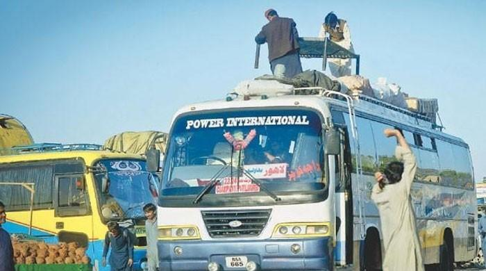 سندھ حکومت نے بین الصوبائی ٹرانسپورٹ چلانے کی اجازت دے دی