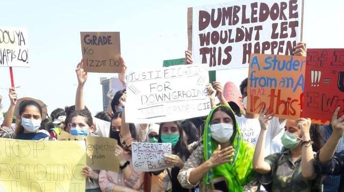 اے لیول اور اولیول کے متنازع نتائج کیخلاف طلبہ کا احتجاج