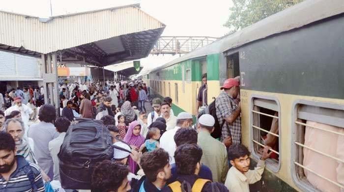 ریلوے نے 17 اگست سے مزید 5 ٹرینوں کی بحالی کا نوٹیفکیشن جاری کردیا
