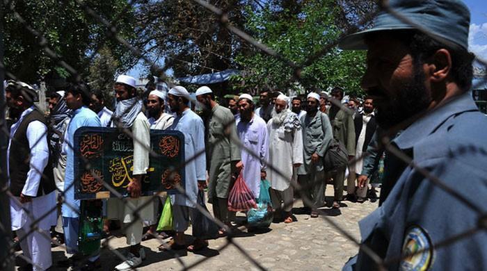 افغان حکومت نے 400 طالبان قیدیوں کی رہائی کا عمل شروع کر دیا