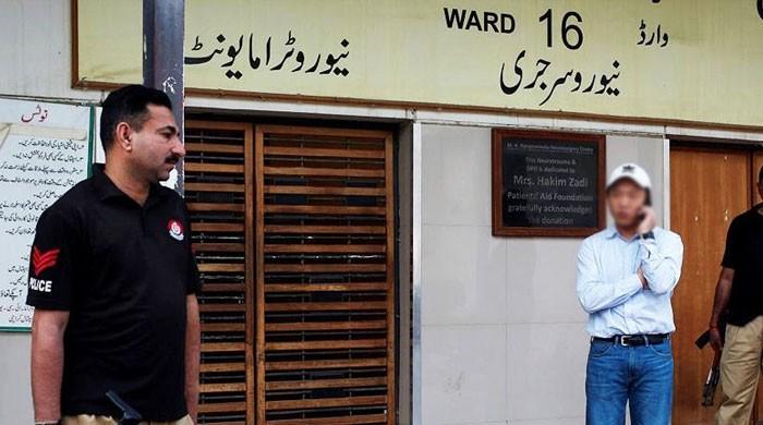 کراچی میں دو چینی باشندے آپس میں لڑ پڑے، چھری کے وار سے ایک زخمی